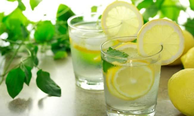 Se puede adelgazar bebiendo agua