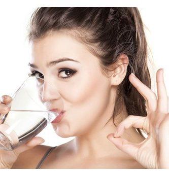 Ventajas de adelgazar bebiendo agua