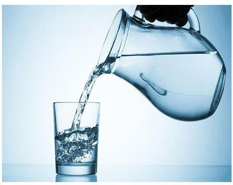 Beneficios de adelgazar bebiendo agua